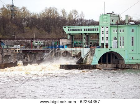 Volkhov HYDROELECTRIC POWER station-hydro power station on river Volkhov Russia
