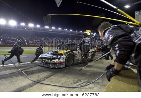 NASCAR: 17 de outubro Nascar Banking 500 apenas do Bank Of America