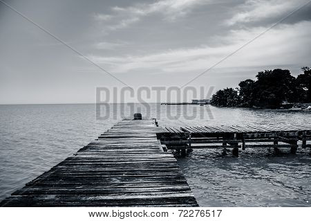 dock pier in livingston guatemala