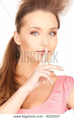 Dedo nos lábios