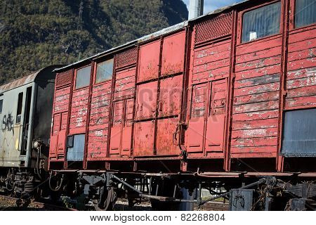 wooden box car