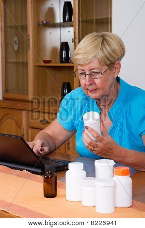 woman buying medicine online