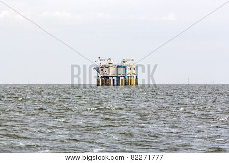 Offshore Oil Rig Near Harlingen, Nederlande