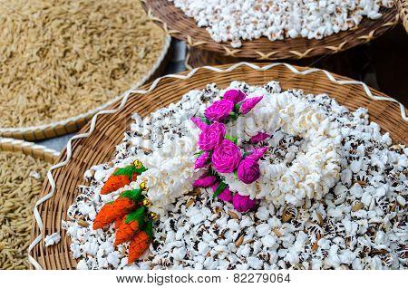Rice Garland