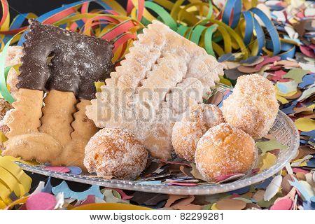 crostoli and damselfish carnival
