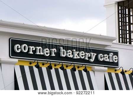 Corner Bakery Cafe Exterior