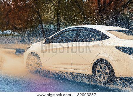 Car Rain Puddle Splashing Water