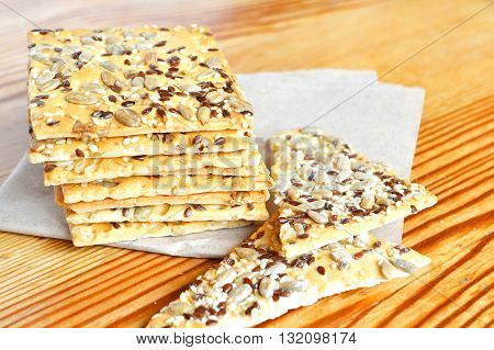 Crunchy cookies with sunflower and flax seeds. Healthy snack ideas.