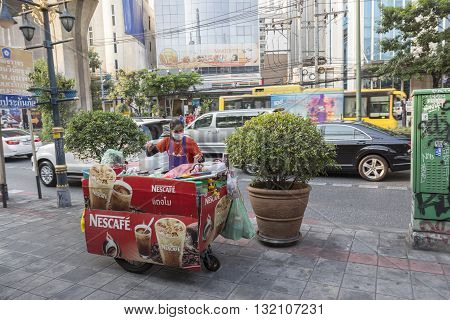 BANGKOK THAILAND - APR 29 : coffee cart stall on footpath at sukhumvit road in Asoke on april 29 2016 thailand.