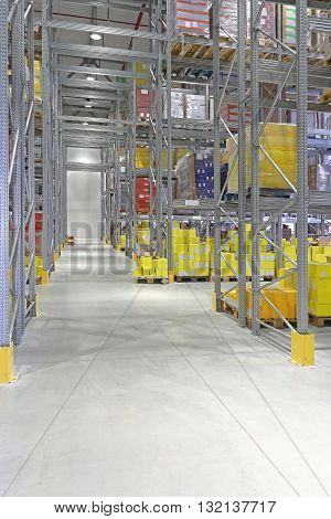 High Racks Shelving System in Distribution Warehouse