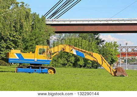 Old Excavator Digger With Steel Tracks Construction Machine