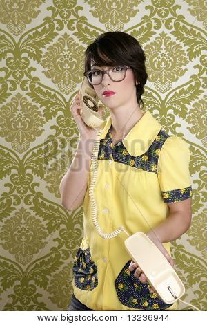 Nerd Housewife Retro Woman Talking Vintage Phone