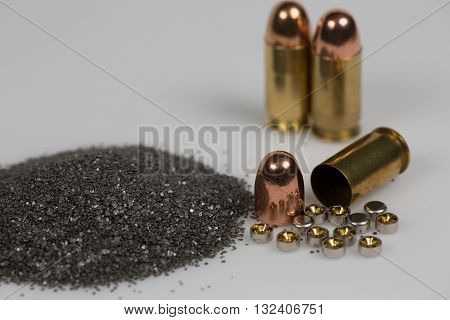 reloading elements for pistol ammoniation powder bullet brass and primers