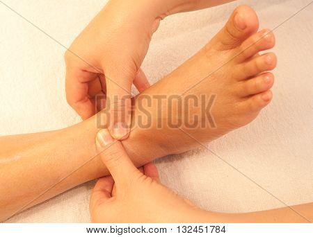 reflexology foot massage spa foot treatment thailand