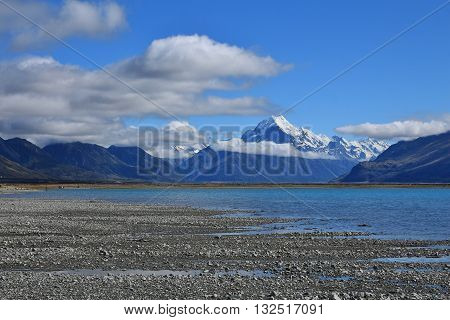 Morning scene in the Southern Alps. Mt Cook and turquoise water of Lake Pukaki.