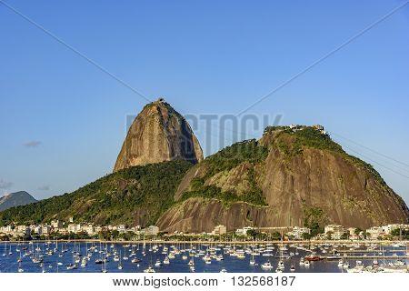 Sugar Loaf cove of Botafogo and Urca seen the bike path Flamengo