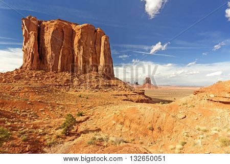 butte rock formation in monument valley arizona