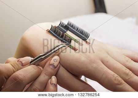 Artificial Eyelash Extensions, The Master's Hand, Eyelash Extension Procedure In A Beauty