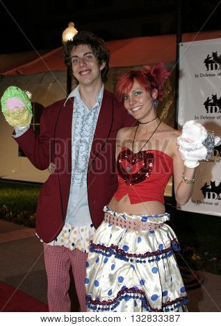 Taran Noah Smith and wife Heidi at the 'In Defense of Animals Hosts 2nd Annual Guardian Award' at the Paramount Studios in Los Angeles, USA on October 30, 2004.