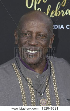 LOS ANGELES - JUN 2:  Lou Gosset Jr at the Television Academy 70th Anniversary Gala at the Saban Theater on June 2, 2016 in North Hollywood, CA
