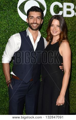 LOS ANGELES - JUN 2:  Justin Baldoni, Emily Foxler at the 4th Annual CBS Television Studios Summer Soiree at the Palihouse on June 2, 2016 in West Hollywood, CA