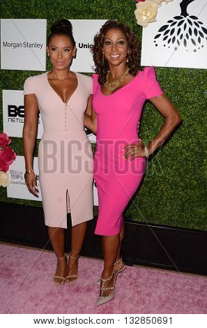 LOS ANGELES - JUN 4:  Mel Brown, Holly Robinson Peete at the 2016 Ladylike Women of Excellence Awards Gala at the Beverly Hilton Hotel on June 4, 2016 in Beverly Hills, CA