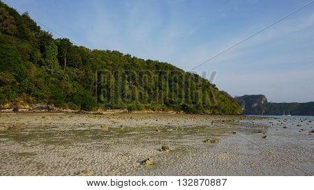 Lo Dalum Bay