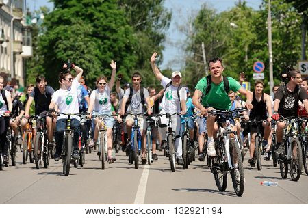 Orel Russia - May 29 2016: Russian Bikeday in Orel. Crowd of bicyclists saluting horizontal