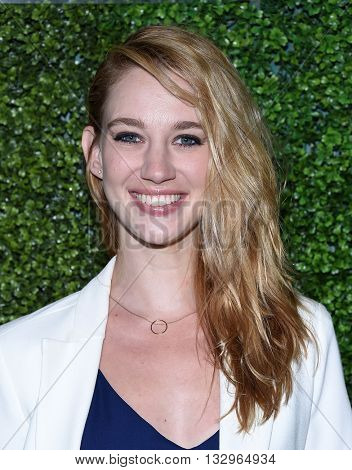 LOS ANGELES - JUN 02:  Yael Grobglas arrives to the 2016 CBS Summer Soiree  on June 02, 2016 in Hollywood, CA.