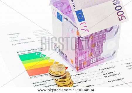 House from € banknotes and Energy Performance Certificate