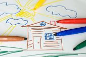 picture of dessin  - Color markers on a child - JPG