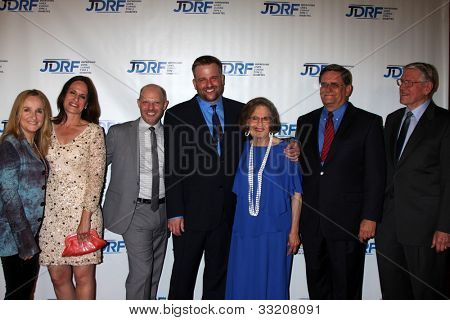 LOS ANGELES - MAY 19:  Melissa Etheridge, Linda Wallem, Stephen's Partner, Stephen Willem, Parents, brother at the JDRF's 9th Annual Gala at Century Plaza Hotel on May 19, 2012 in Century City, CA