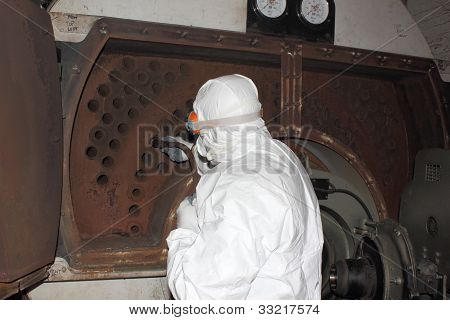 Industrial steam boiler clean