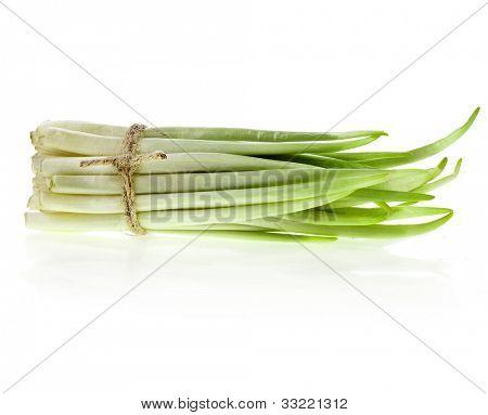 Ramson manojo vegetal aislado sobre fondo blanco