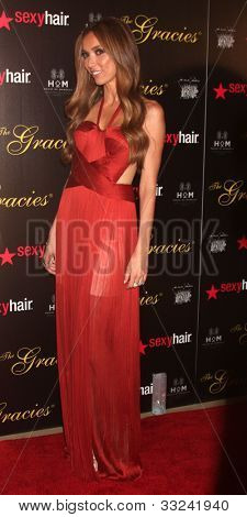 22. August: Los Angeles: Giuliana Rancic kommt an der 37th jährliche Gracie Awards Gala in Beverly Griff
