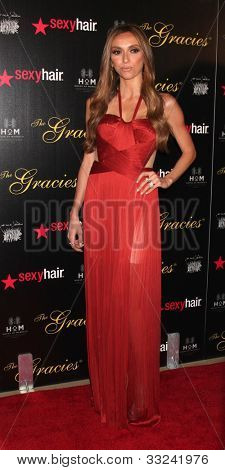 LOS ANGELES - 22 Mai: Giuliana Rancic kommt an der 37th Annual Gracie Awards Gala in Beverly Hilt