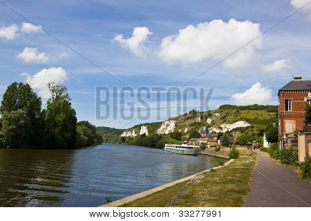 River scene - Le Petit Andely