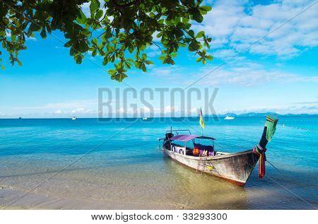 小船和在泰国的安达曼海群岛