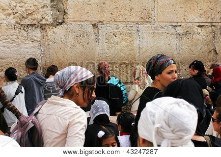 Jewish women Pray At The Wailing Wall