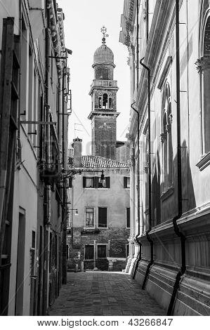 Venezian Alley