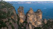 Three Sisters Of The Blue Mountains
