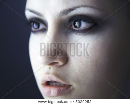 Fine Art Porträt des eleganten Mädchens