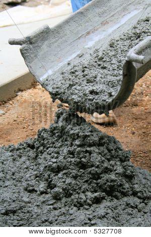 Cement Truck Chute Pour Construction