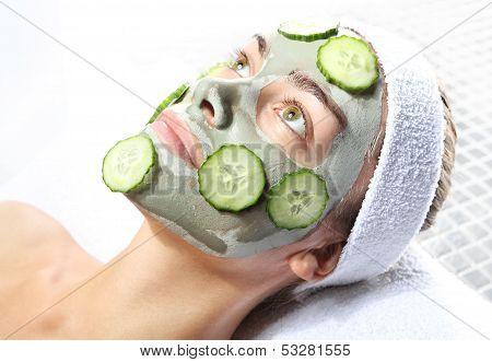 relaxing green mask
