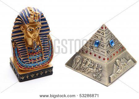Pyramid ashtray with Pharaoh
