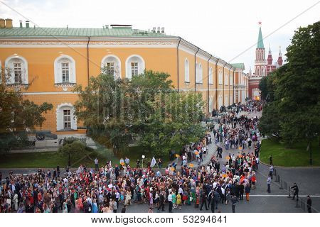 MOSCOW - JUN 23: The crowd of high school graduates near the Senate building and Kremlin on June 23, 2013 in Moscow, Russia.