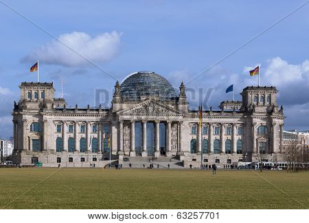 BERLIN, GERMANY - FEBRUARY 17, 2014: Reichstag building and lawn in front of him in Berlin