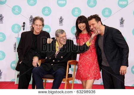 LOS ANGELES - APR 12:  Richard Lewis, Jerry Lewis, Illeana Douglas, Dane Cook at the Jerry Lewis Hand and Footprint Ceremony at TCL Chinese Theater on April 12, 2014 in Los Angeles, CA