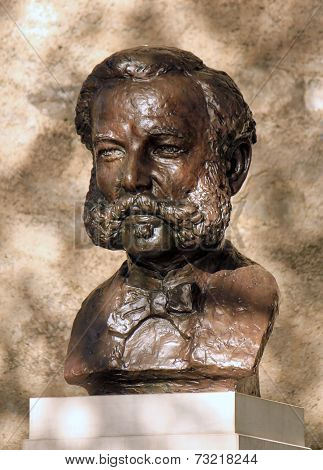 Bronze statue of Henri or Henry Dunant, Geneva, Switzerland