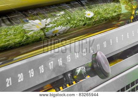 Printing machine yellow color roller and flower sheet